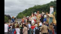 La Voix du Nord -MARIE VANDEKERKHOVE – 07/07/2014 Pas de vivat flamand ce dimanche : la pluie a épargné le couronnement de l'auguste roi d'osier de Bouvines. Les géants ont […]
